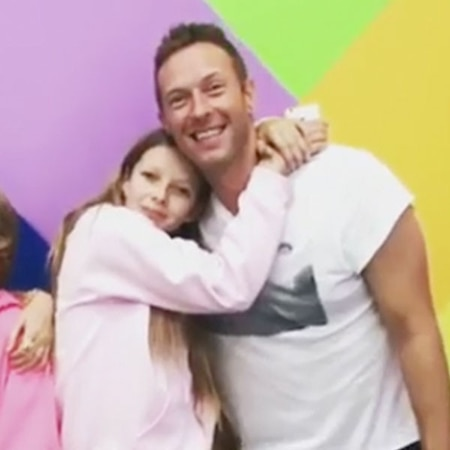 rs 600x600 180306091950 600  - Cue the Family Band! Chris Martin Is Teaching 13- Year-Old Daughter Apple How to Play Guitar