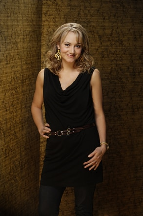 Megyn Price, Rules of Engagement