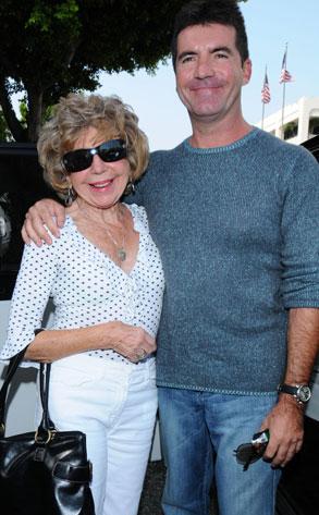 Simon Cowell, Mom