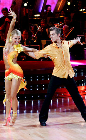 DWTS, Cody Linely