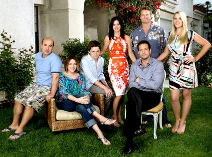 Ian Gomez, Christa Miller, Dan Byrd, Courteney Cox, Josh Hopkins, Brian Van Holt, Busy Philipps, Cougar Town