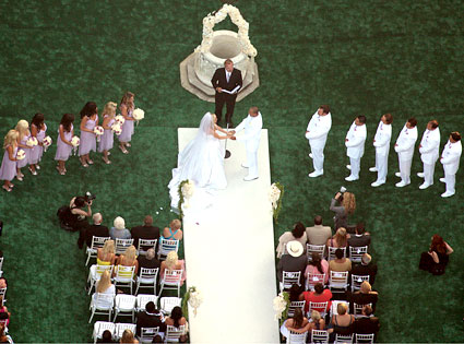 Kendra Wilkinson, Hank Baskett, Wedding