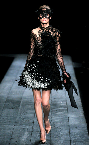 Valentino Model, Paris Fashion Week