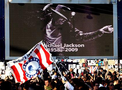 Michael Jackson, Tribute, Fans, London