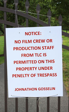 Gosseling Home, no tresspasing sign