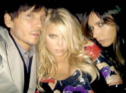 Ken Paves, Jessica Simpson, Mary Phillips