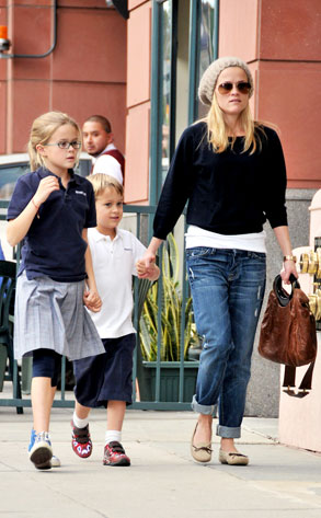 Reese Witherspoon, Deacon, Ava