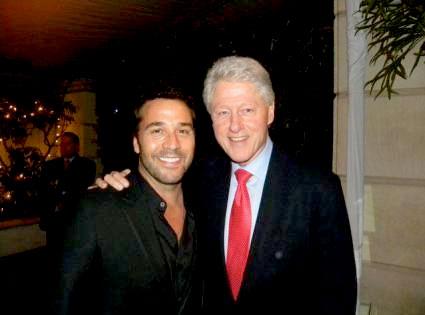 Jeremy Piven, Bill Clinton, Twitter