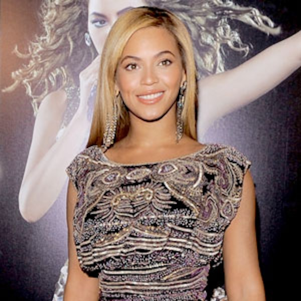 Beyoncé Struts in Tom Ford's Fashion Show