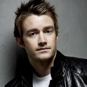Who is robert buckley currently hookup