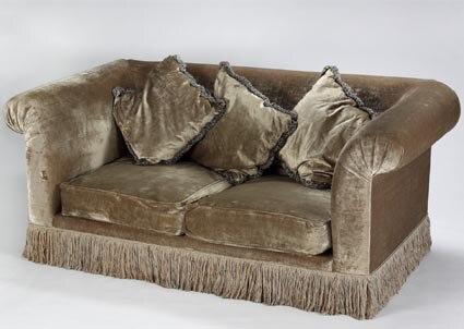 Anna Nicole Auction, Velour Couch
