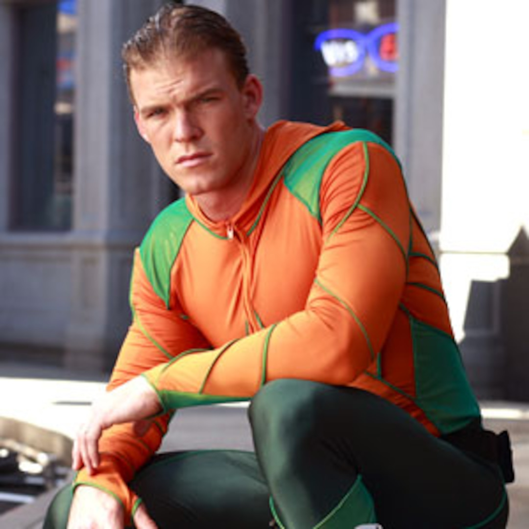 "Smallville's Aquaman Promises ""Dark"" Final Season - E! Online"