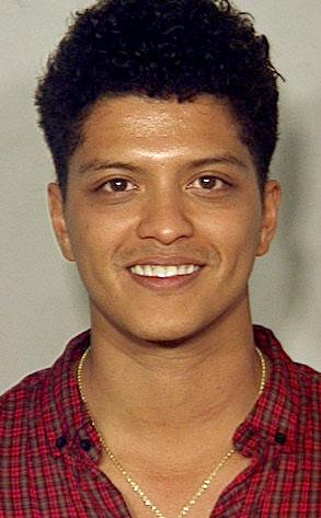 Bruno Mars, Peter Hernandez, Mug shot