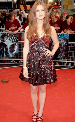 Bonnie Wright From Les Tapis Rouges D Harry Potter E News