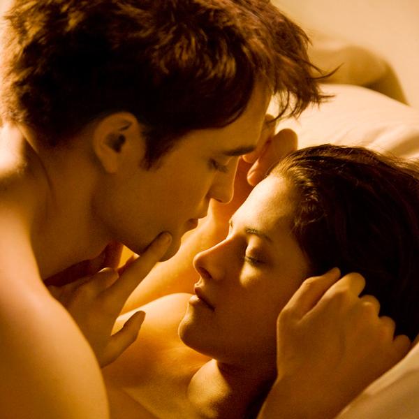 Robert Pattinson, Kristen Stewart,  THE TWILIGHT SAGA: BREAKING DAWN