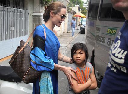 Angelina Jolie, Pax Jolie-Pitt
