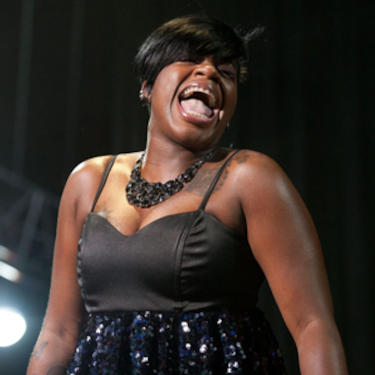 Oh Baby Fantasia Barrino Welcomes A Son E Online