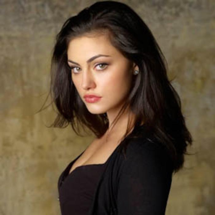 Vampire Diaires Scoop Phoebe Tonkin Set To Appear E Online