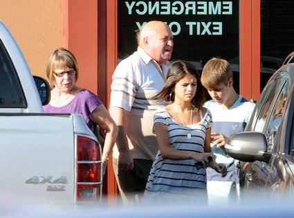 Selena Gomez, Justin Bieber, Diane Dale, Bruce Dale