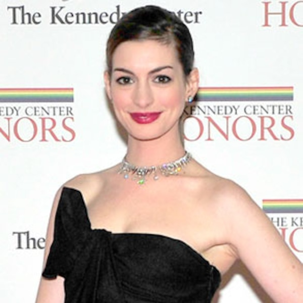 Anne Hathaway From Stars' Engagement Rings