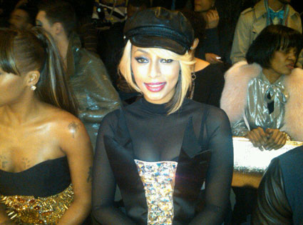 Fashion Week Twit Pic, Keri Hilson
