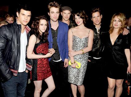 Taylor Lautner, Kristen Stewart, Robert Pattinson, Kellan Lutz, Ashley Greene, Peter Facinelli, Elizabeth Reaser
