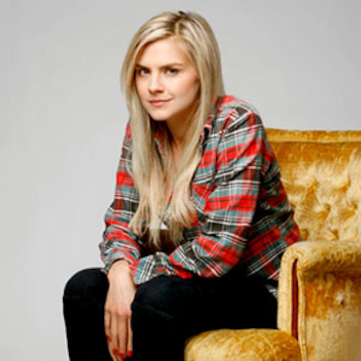 2011 Breakout Tv Stars Happy Endings Eliza Coupe Wants To Talk