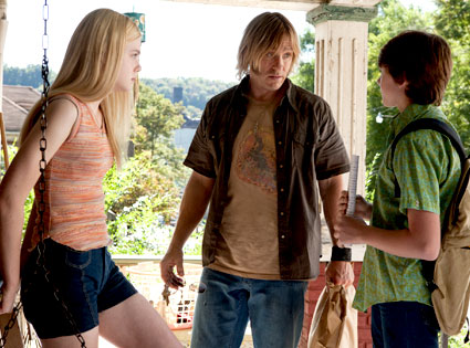 Elle Fanning, Ron Eldard, Joel Courtney, Super 8