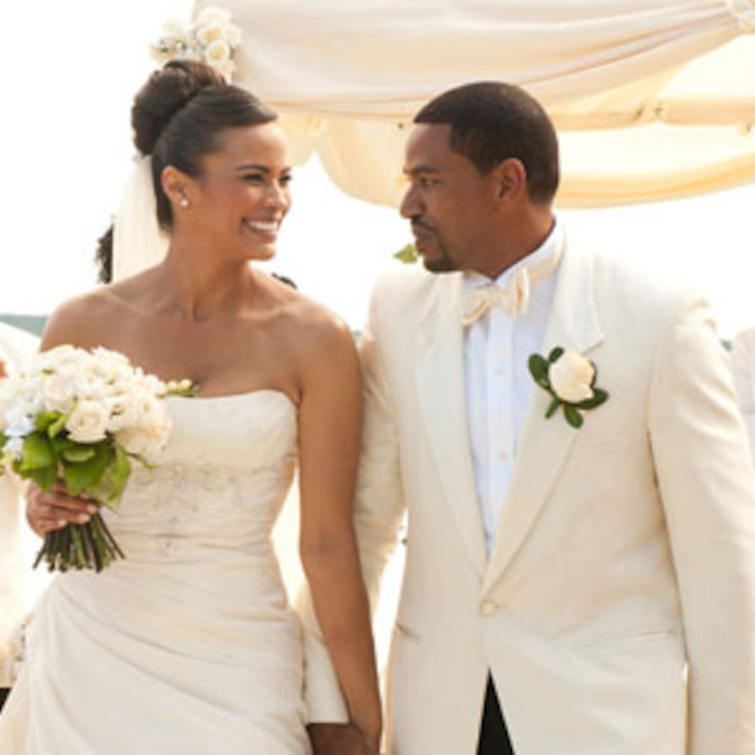 Review Jumping The Broom A Royally Awful Wedding Movie E Online