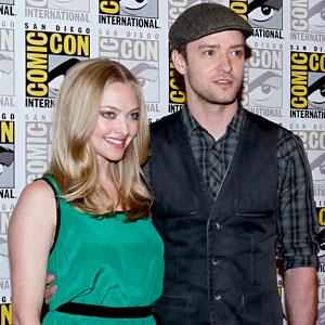 Justin Timberlake & Amanda Seyfried Get Their Flirt on at