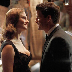 BONES, Emily Deschanel,David Boreanaz