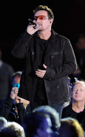 A Decade of Difference Concert, Bono