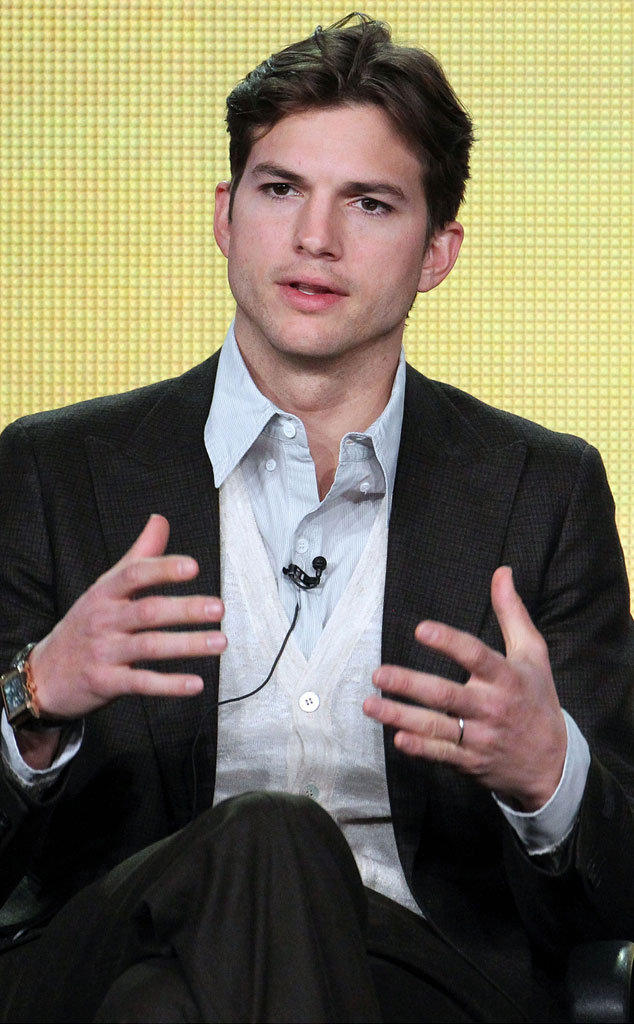 Ashton Kutcher Wears Wedding Ring Cuts Off Long Hair And Beard E Online