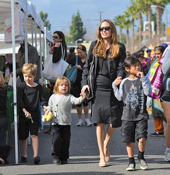 Angelina Jolie, Shiloh Pitt, Knox Pitt, Pax Pitt
