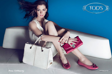 Anne Hathaway, Tod's