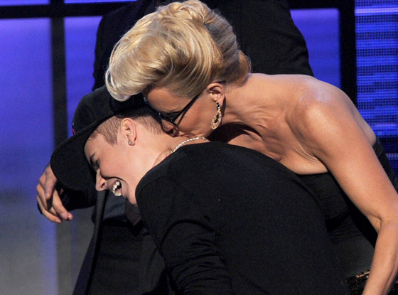 Justin Bieber, Jenny McCarthy, AMA Show