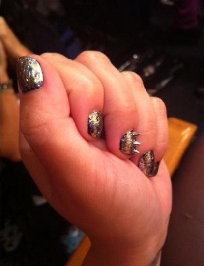 Demi Lovato, Kelly Osbourne, unhas