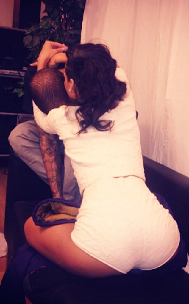 Chris Brown, Rihanna, Instagram