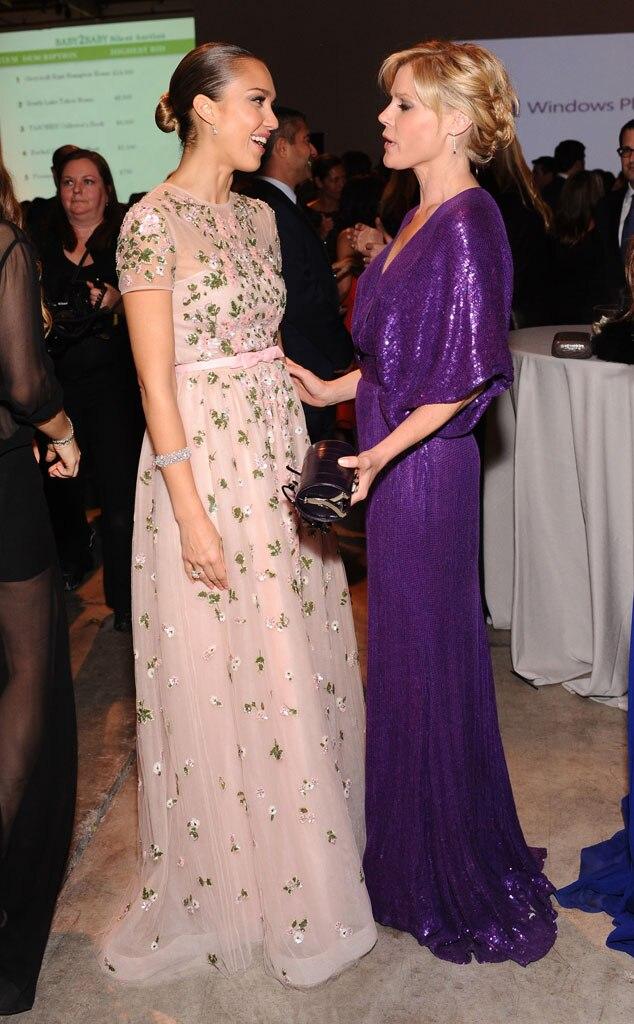 Jessica Alba, Julie Bowen