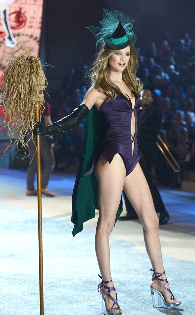 Behati Prinsloo, Victoria's Secret Fashion Show