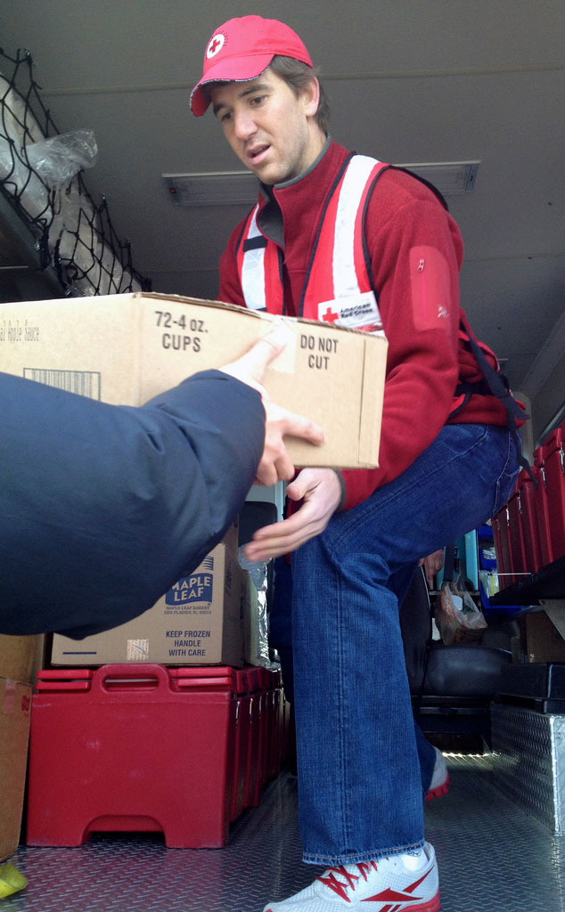 Eli Manning, The Red Cross, Hurricane Sandy