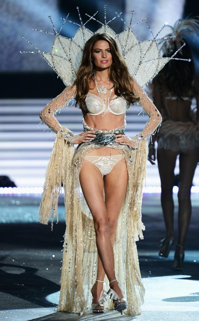 Victoria's Secret Fashion Show, Cameron Russell