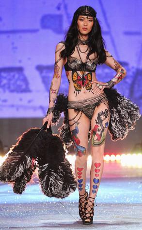 Victoria's Secret Fashion Show, Liu Wen