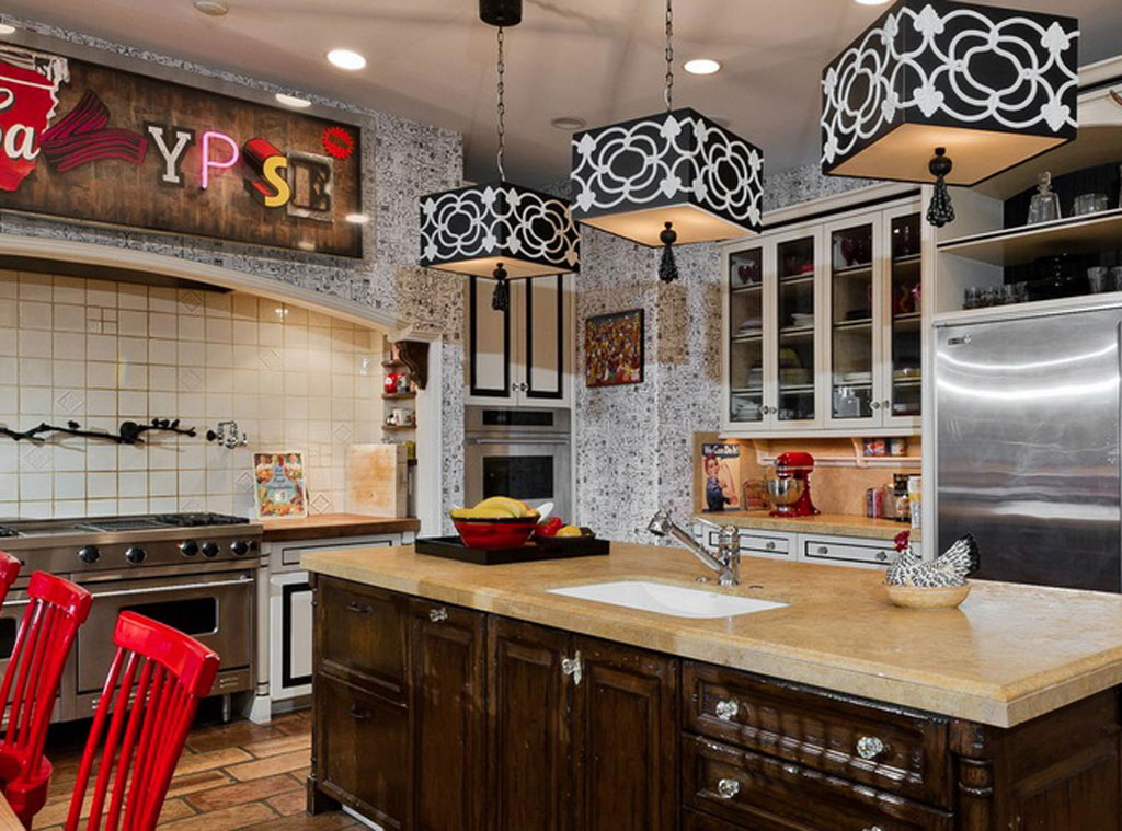 Christina Aguilera From Amazing Celebrity Kitchens E News