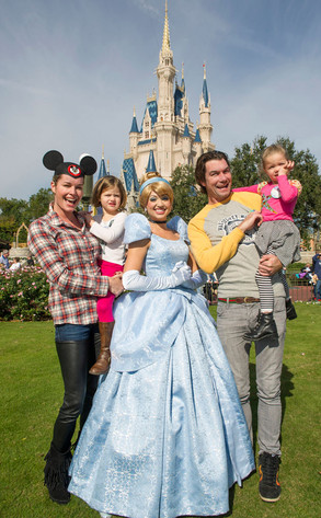 Rebecca Romijn, Jerry O'Connell, Disney World