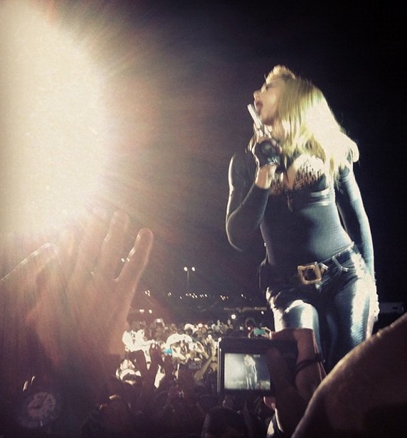 Madonna, Instagram, Twitter