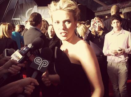 Scarlett Johansson, Twit Pic