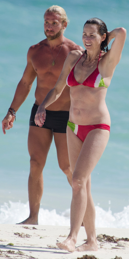 Bikini Shot Of The Day Minnie Driver Shows Off Her Curves In The Caribbean E Online Uk