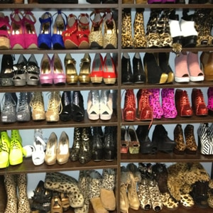 Closet Mom Crazy To Be The ShoesENews With Of Who's A 6yv7Ybfg