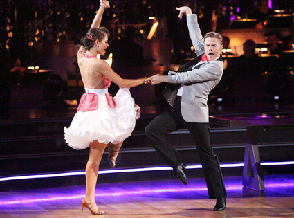 DANCING WITH THE STARS, DWTS, MARIA MENOUNOS, DEREK HOUGH